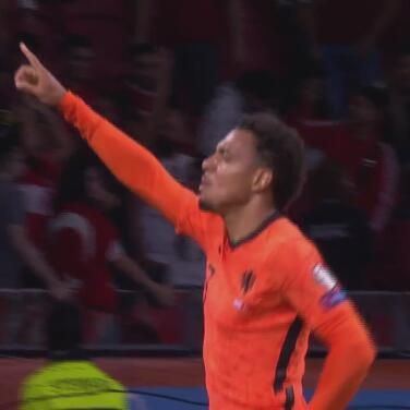 ¡Tunda! Donyell Malen cierra la pinza para el 6-0 de Holanda