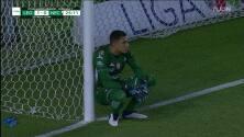 ¡GOOOL! Santiago Colombatto anota para León.