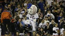 MLB da luz verde al regreso de mascotas a los estadios