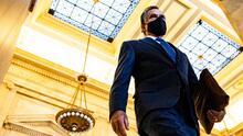 Mitt Romney sufrió caída que lo dejó inconsciente y con el rostro visiblemente golpeado