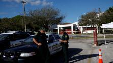 Presentan estrategia para garantizar mayor seguridad en las escuelas tras la masacre de Parkland