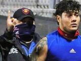 Jugador de futbol americano golpea árbitro tras ser expulsado