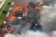 Casi 50 personas desplazadas luego de un voraz incendio en dos complejos de apartamentos en Hialeah