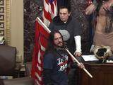 El primer sentenciado por un delito grave tras el asalto al Capitolio es condenado a 8 meses de prisión