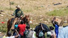 Suspenden el uso de caballos para oficiales de la Patrulla Fronteriza tras persecución a haitianos