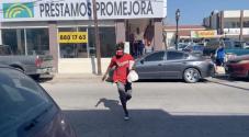 """""""Métete ahí, no te pueden agarrar"""": autoridades mexicanas persiguen a haitianos, mientras la población los protege"""