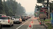 Evacuan la ciudad de South Lake Tahoe debido al incendio Caldor