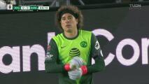¡Memo Ochoa le quita el gol al 'Cubo' Torres dos veces al hilo!