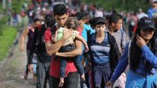 Caravana de migrantes hondureños continúa su camino hacia EEUU pese a altercados en Guatemala