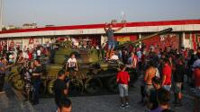 Ultras del Estrella Roja colocan tanque frente a estadio