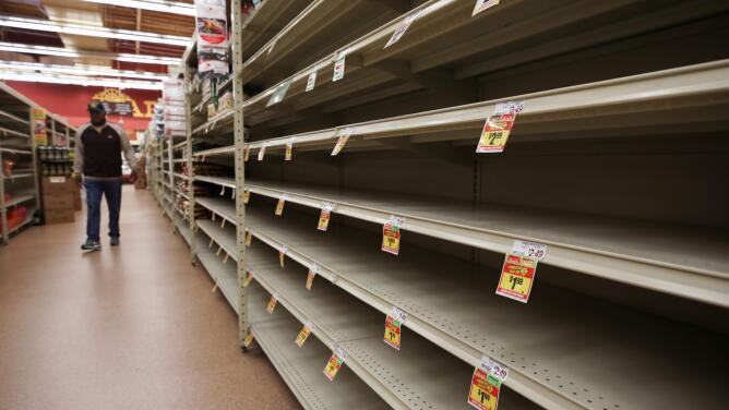 Papel higiénico y pollo: lista de productos en escasez en supermercados de EEUU
