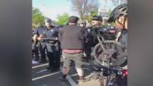 Manifestante detenida en las protestas por la muerte de Stephon Clark se presenta en corte