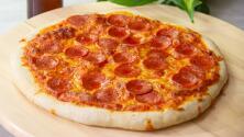 Pizza de pepperoni casera