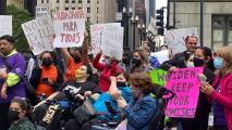 """""""Ciudadanía para todos"""": marchan en Chicago para pedir una reforma migratoria y un alto a las deportaciones"""