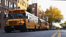 Padres y trabajadores exigen a las autoridades más acciones contra la violencia en las escuelas de Nueva York