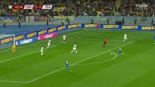 ¡GOL!  anota para Ucrania. Mykola Shaparenko
