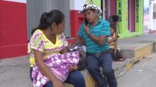 Una migrante que forma parte de la caravana dio a luz en el camino
