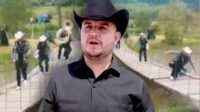 """""""Casi me parto la m…"""": Vocal de Grupo Calibre 50 a punto de caer de un puente sobre el río"""