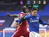 Rescata Everton empate polémico ante el Liverpool