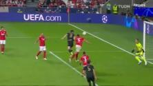 ¡Otra vez el portero Vlachodimos! Le quita el gol a Lewandowski