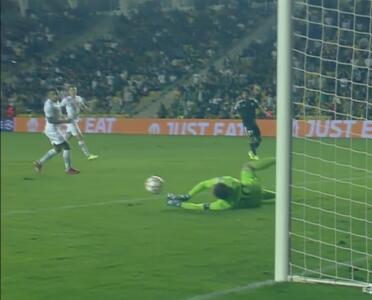¡Pyatov evita la goleada! Le arrebata el tercer gol a Frank Castañeda