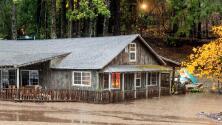 Fuertes lluvias y ríos de lodo: así es el ciclón bomba que afecta a California y el oeste del país