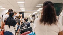 A partir de noviembre, los extranjeros que visiten EEUU tendrán que estar completamente vacunados