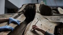 Un hallazgo milenario: el raro ataúd de madera con restos de un hombre encontrado en un campo de golf