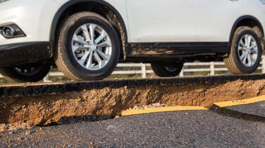 Terremoto mientras conduces un carro: qué hacer y qué evitar en ese momento