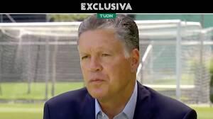 Peláez acepta que Mohamed lleva ventaja para llegar a Chivas