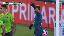 ¡TIRO ATAJADO! disparo por Nicolás Ibáñez.