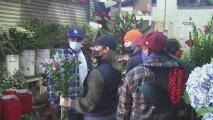 """""""Uno espera estos días con ansias"""": comerciantes del Distrito de las Flores sobre sus ventas en San Valentín"""