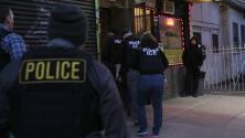 ICE dice que no realiza redadas, pero un abogado de inmigración asegura que eso no es cierto
