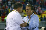MALACCA, MALAYSIA - OCTOBER 05: Socceroos coach Ange Postecoglou and Syrian coach Ayman Al Hakeem shake hands during the 2018 FIFA World Cup Asian Playoff match between Syria and the Australia Socceroos at Hang Jebat Stadium on October 5, 2017 in Malacca, Malaysia. (Photo by Robert Cianflone/Getty Images)