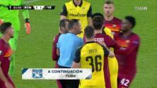 ¡Expulsión! El árbitro saca la roja directa a Mohamed Ali Camara.