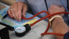 Comienzan las inscripciones en California para que indocumentados obtengan cobertura médica