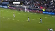 ¡Increíble gol con la zurda de Johnny Russel! ¡No puede dejar de marcar!