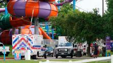 Una fuga de productos químicos en un parque acuático de Texas deja a decenas de personas con problemas respiratorios