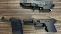 Un adolescente se dispara accidentalmente con el arma que construía con una impresora 3D