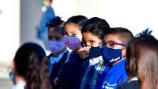 Covid-19: Tras aumento de contagios, recomiendan a niños mayores de 2 años usar mascarilla cuando regresen a clases