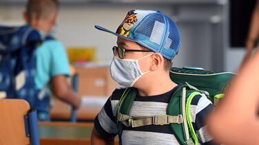 Una orden judicial impide el uso obligatorio del cubre bocas en escuelas de Fort Worth ISD