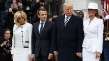 Así fueron los intentos de Trump para que Melania le diera la mano