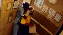 Buscan al sospechoso de asfixiar y robar a un hombre de 76 años en Harlem