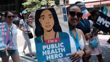 Así transcurre histórico desfile en Nueva York en honor a los héroes que luchan en primera línea contra la pandemia