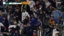 ¡GOL!  anota para LA Galaxy. Javier Hernández
