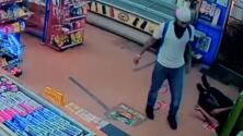 Buscan a sospechoso de darle una golpiza al empleado de una tienda por no dejarlo comprar una cerveza