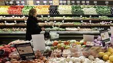 """""""Todo está carísimo"""": beneficiarios de los cupones de alimentos en Nueva York recibirán más dinero desde octubre"""
