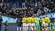 Colapsa tribuna en Holanda sin aficionados heridos del Vitesse