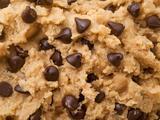 ¿Te gusta la masa de galletas cruda? Autoridades sanitarias piden no comerla esta Navidad