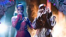 Uno a uno, los looks de Karol G y Natti Natasha que deslumbraron en el escenario de Premios Juventud